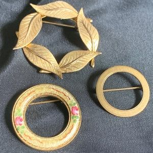 3 Vintage 50's-60's Gold Tone Circle Wreath Brooch